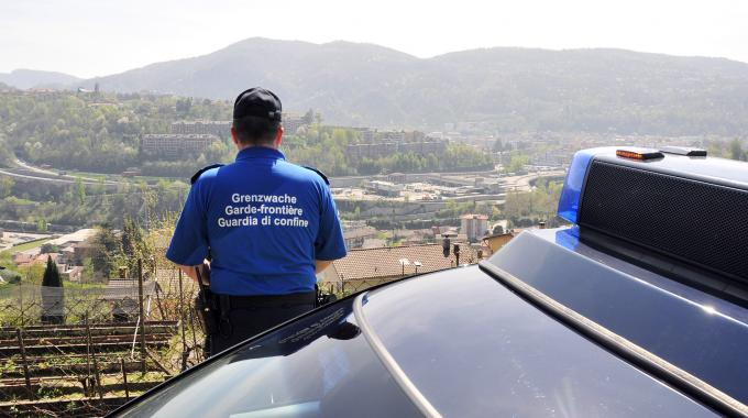 33 Polizisten sollen Tessiner unterstützen