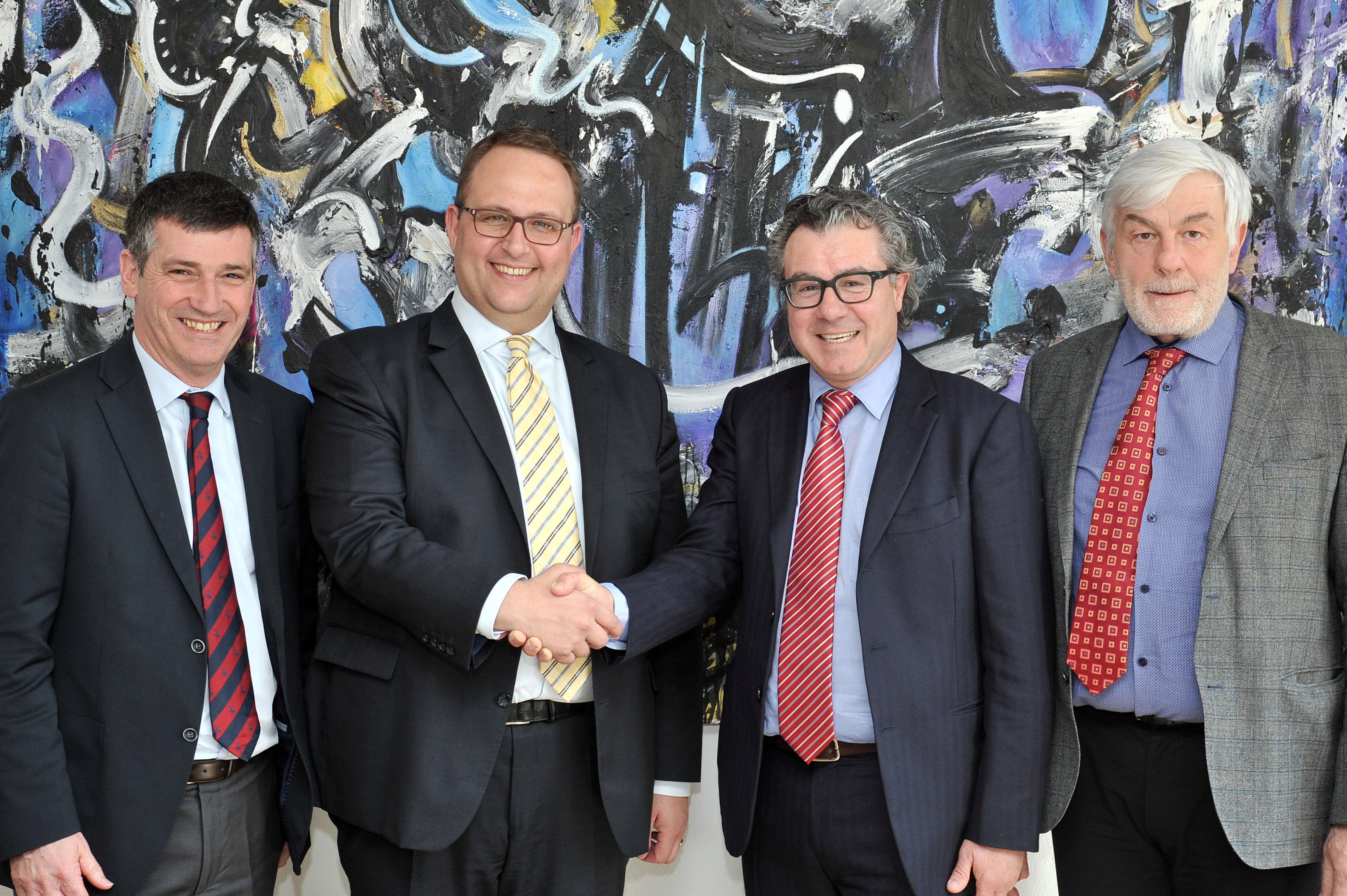 Firmata una convenzione tra il Dipartimento delle istituzioni e il Touring Club Svizzero
