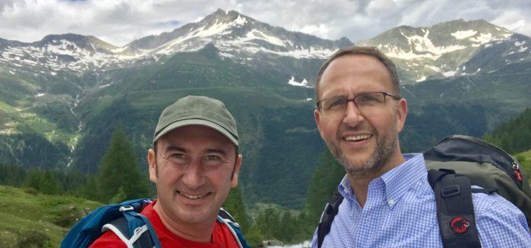 """TREKS: una passeggiata lungo la """"strada degli Alpi"""""""
