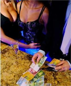 Prostituzione: la legge per ora è salva