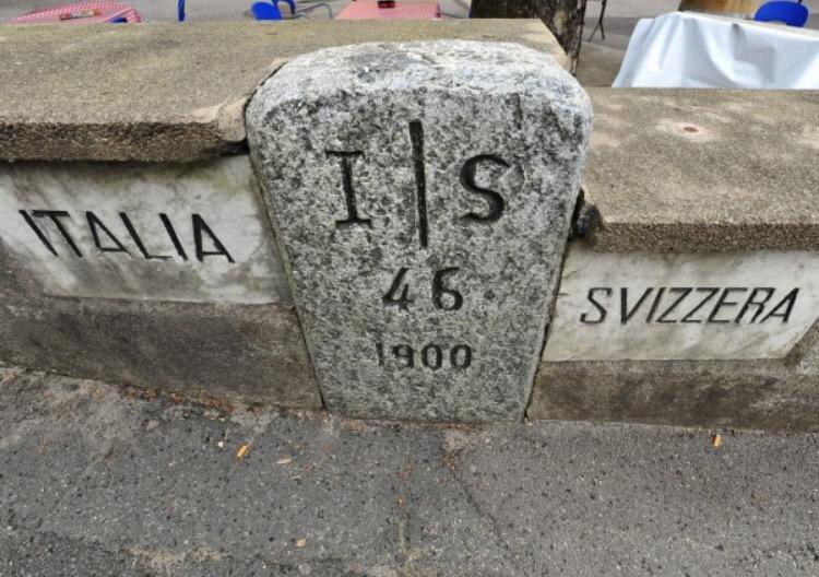 La Svizzera teme un'invasione: militari per controllare il confine