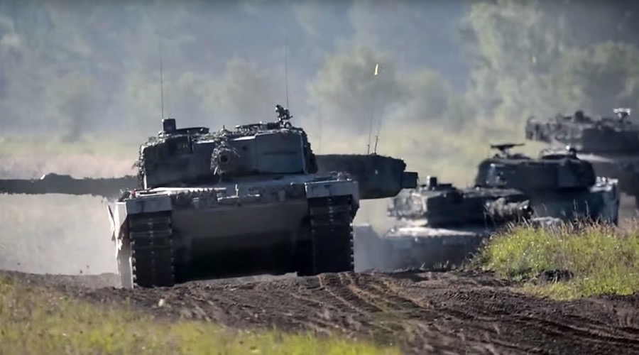 Swiss tank battalion could be sent to Italy border to stop 'migrant onslaught'