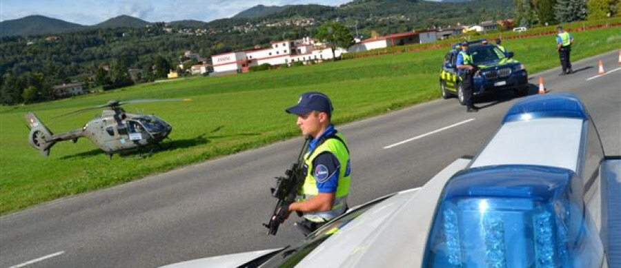 Swiss boarder and migrants