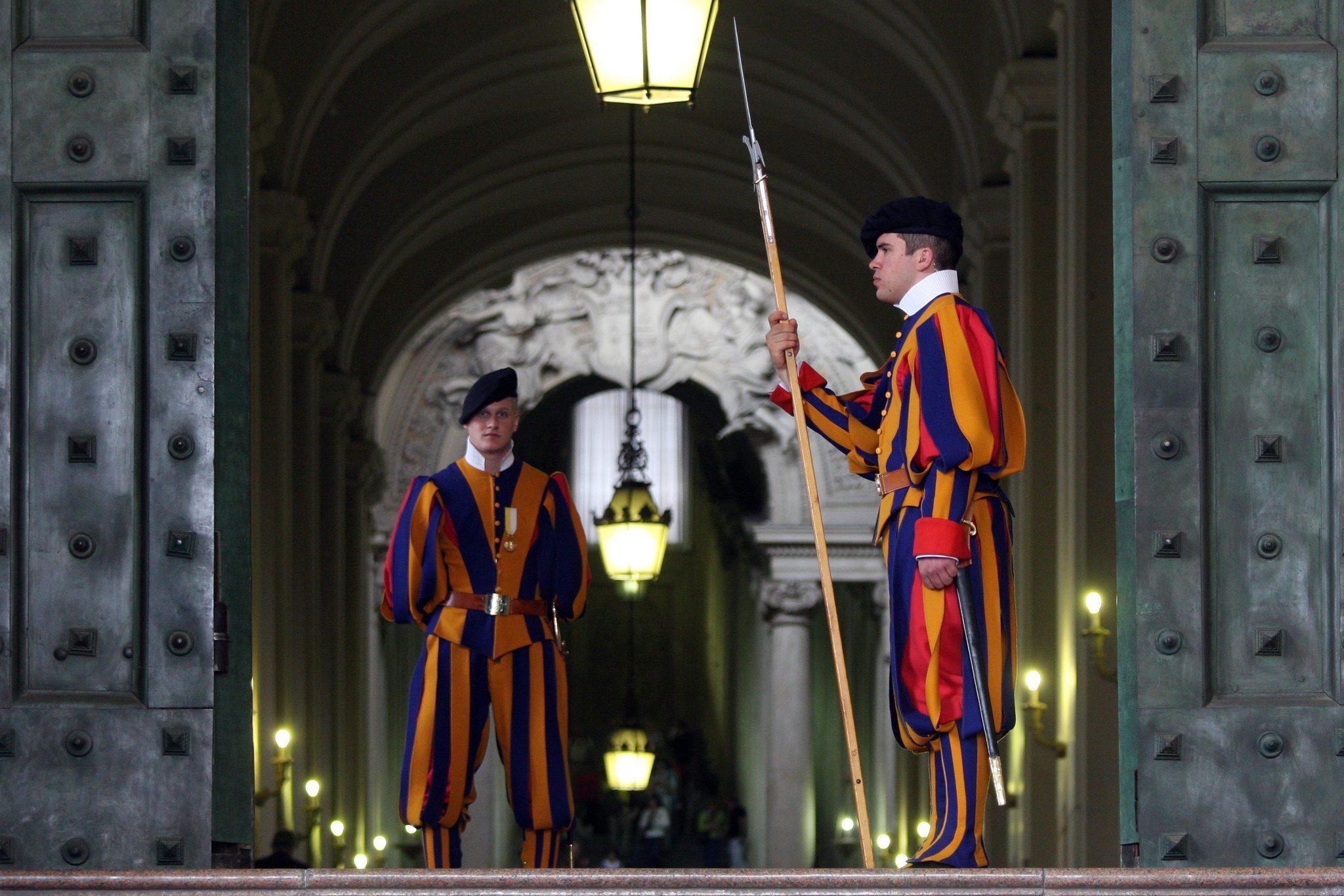 Al via la formazione in Ticino delle Guardie svizzere pontificie