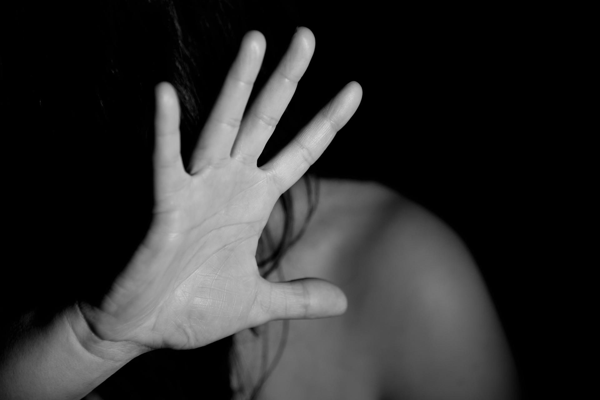 Violenza domestica, più potere alla polizia