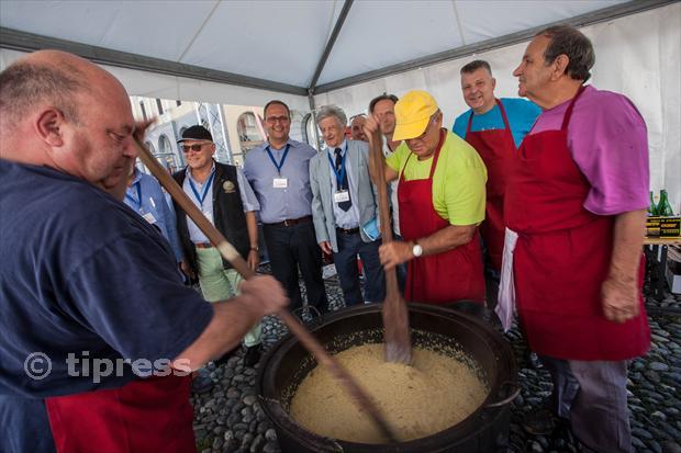In quattromila a Locarno per il Festival del risotto. Vince lo chef del Brenscino di Brissago