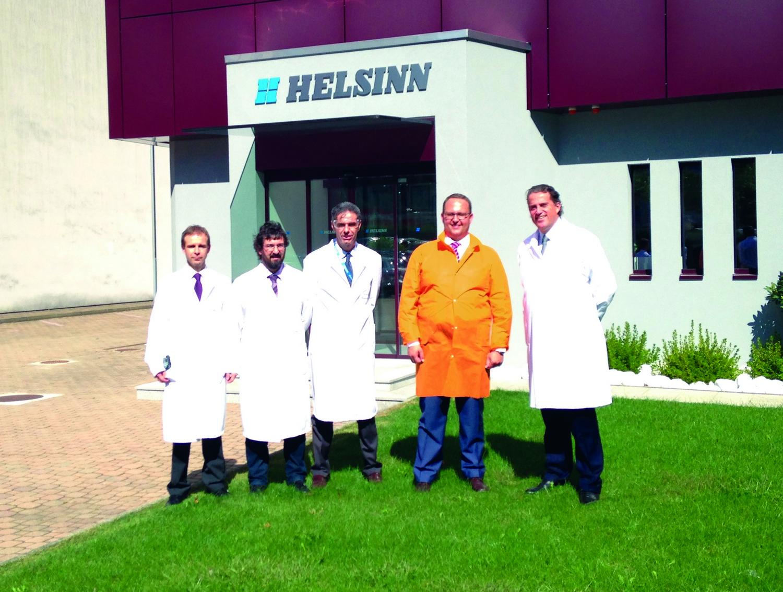 «Imprese modello anche in periferia», Gobbi in visita alla Helsinn di Biasca