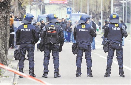 Polizia, «Siamo stanchi e stufi»