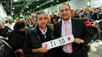 """Asta targhe auto e motoveicoli un successo di 730'100 franchi a favore di """"Strade più sicure"""" e """"Fiumi più sicuri"""""""